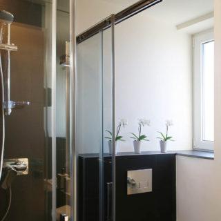 Cabină de duș la Belfort Hotel Brașov
